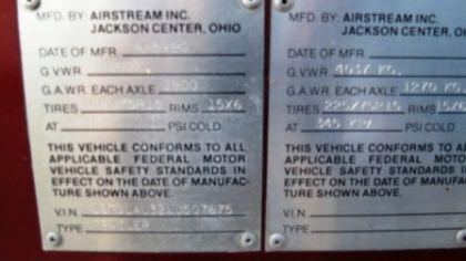 Vintage 1990 Airstream Limited Tri Axle 34