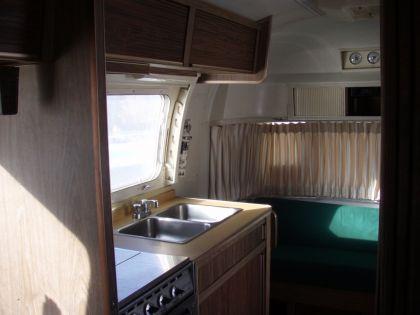 1973 Airstream Land Yacht Safari 23