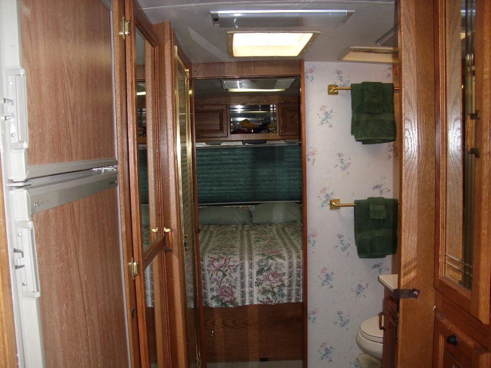 1994 Airstream Land Yacht 33 - Florida