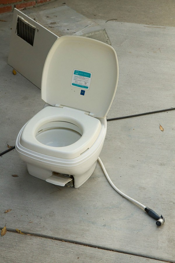 Thetford Aqua Magic SL Toilet w/ Sprayer