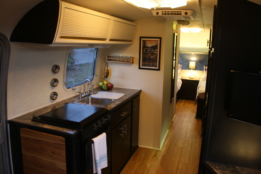 1974 Airstream Sovereign 31 Georgia