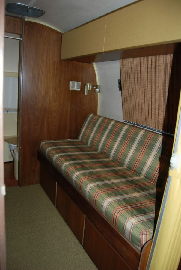 2 Bedroom Trailers For Sale: 1968 Airstream Overlander 26