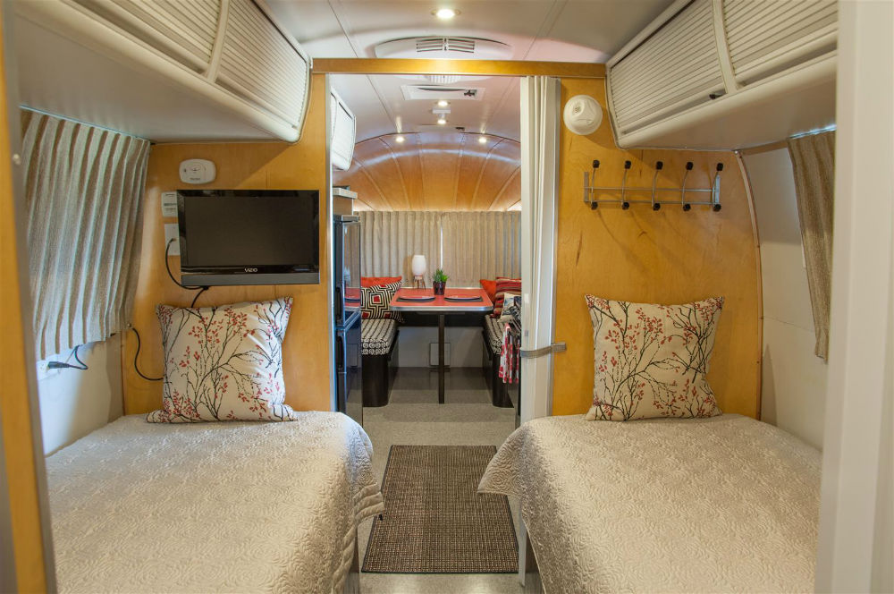 1976 Airstream Overlander 27 Texas