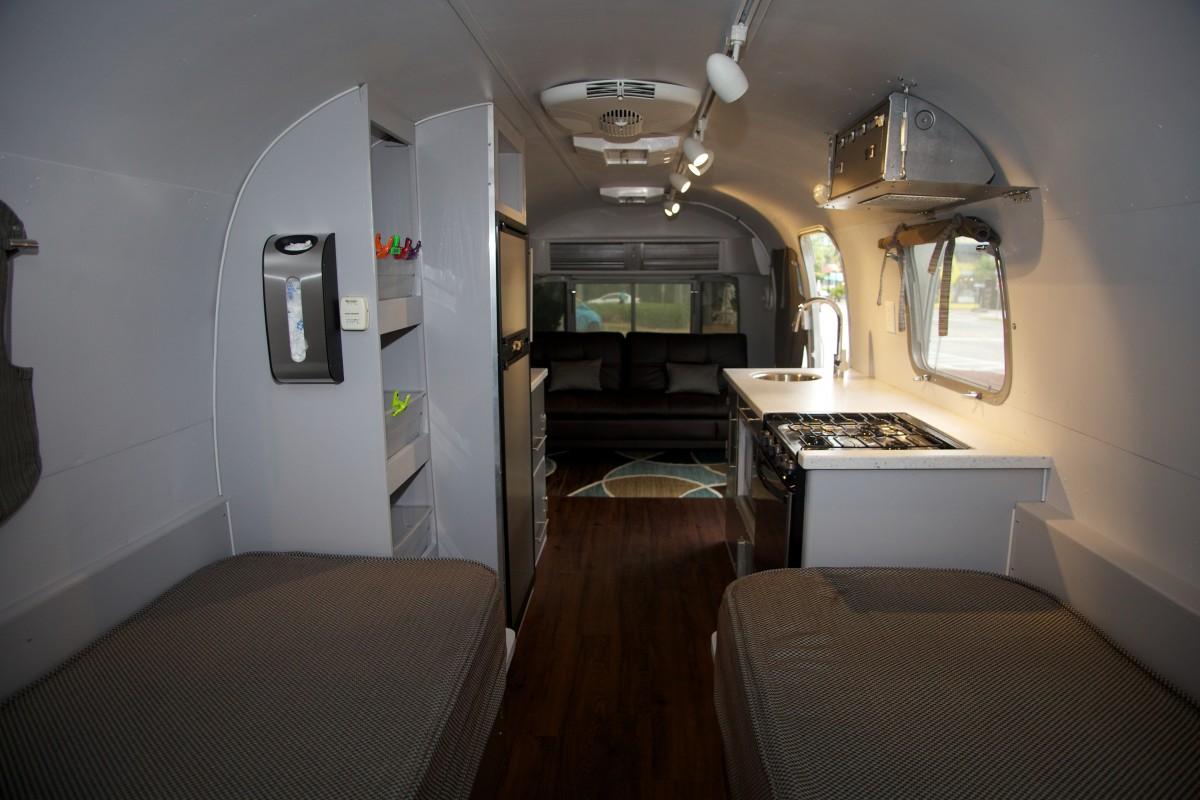 1976 Airstream Sovereign 31 Florida