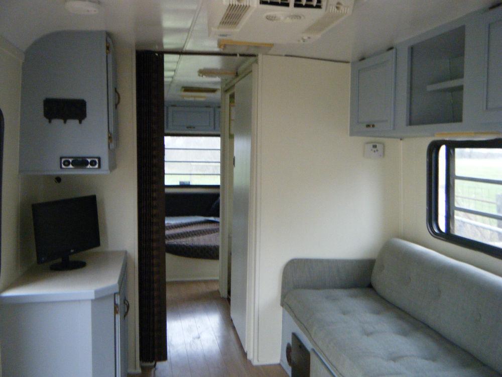 1990 Airstream Land Yacht 33 Texas