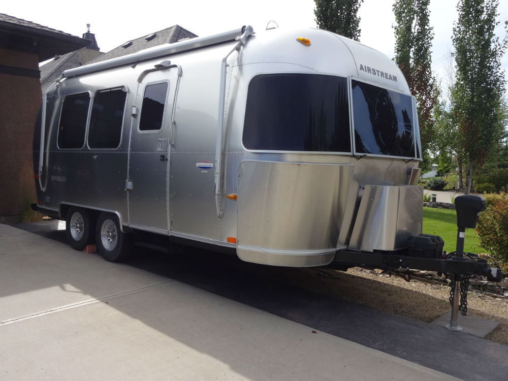 airstream trailer classifieds airstream trailers for sale. Black Bedroom Furniture Sets. Home Design Ideas