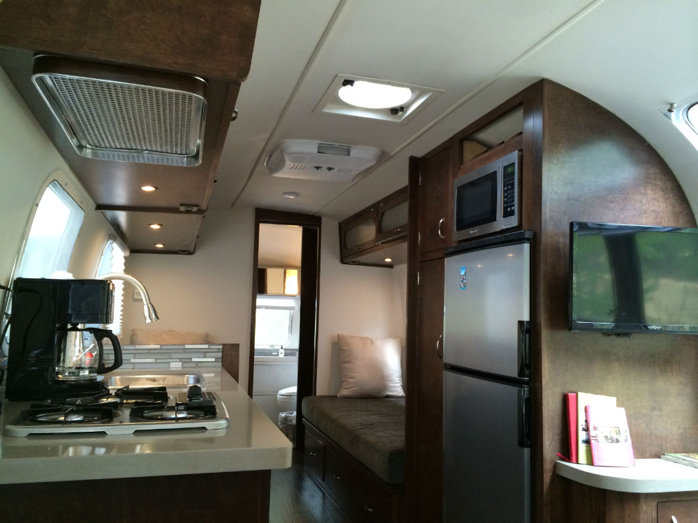 1973 Airstream Ambassador 29 California
