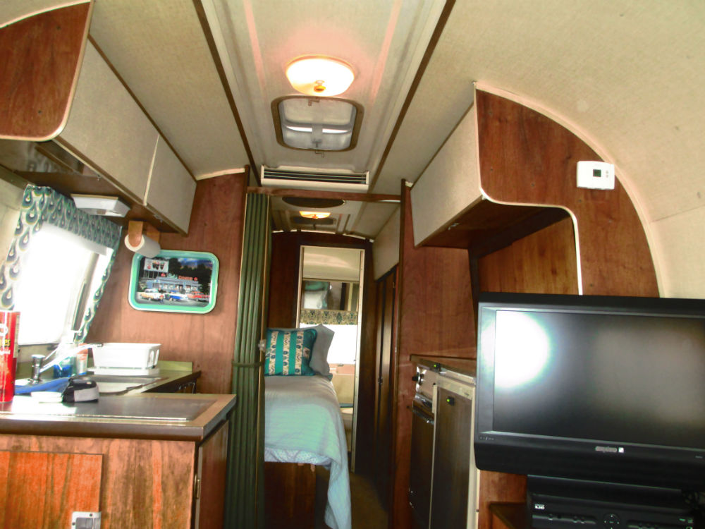 1969 Airstream Overlander 27 - Texas