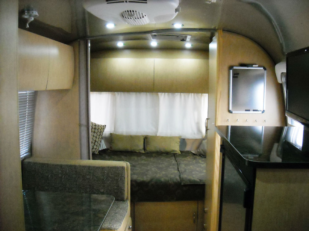 2012 Airstream Flying Cloud 20 Texas