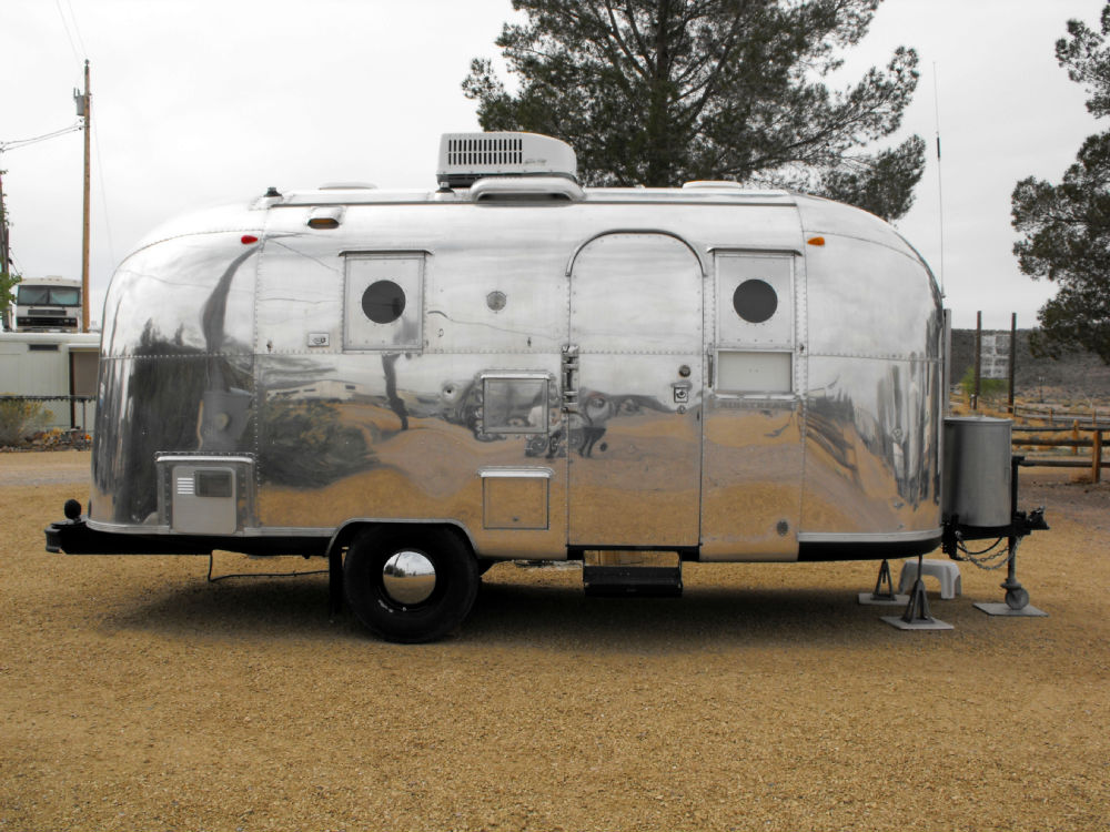 1967 airstream globetrotter 20 nevada. Black Bedroom Furniture Sets. Home Design Ideas