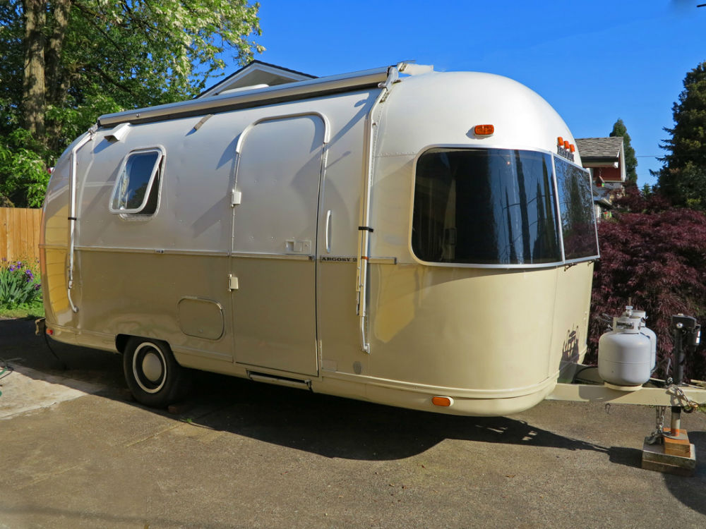Airstream LAND YACHT MOTORHOME Owner s Manual