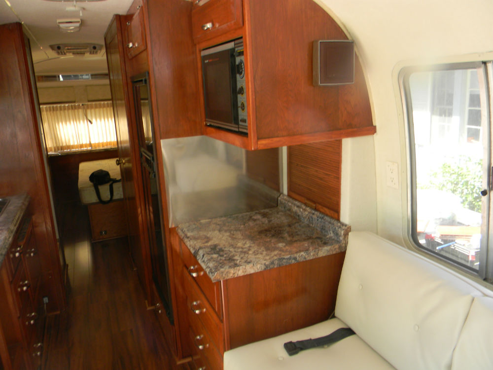 1987 Airstream 290 29 California