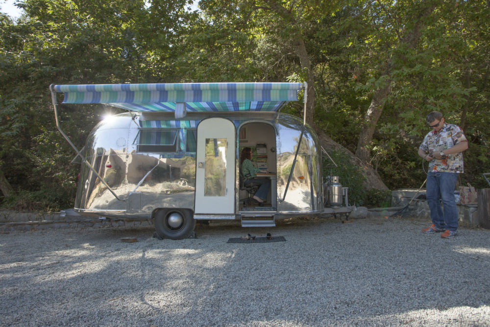 globetrotter_airstream_entry_awning