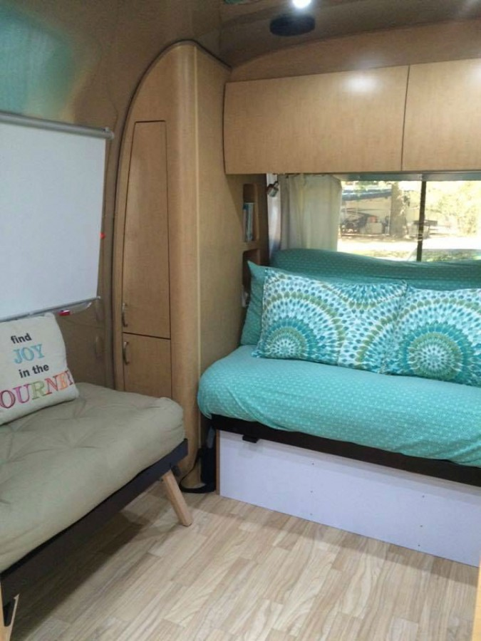 2016 Flying Cloud 30fb Wardrobes And Upper Storage