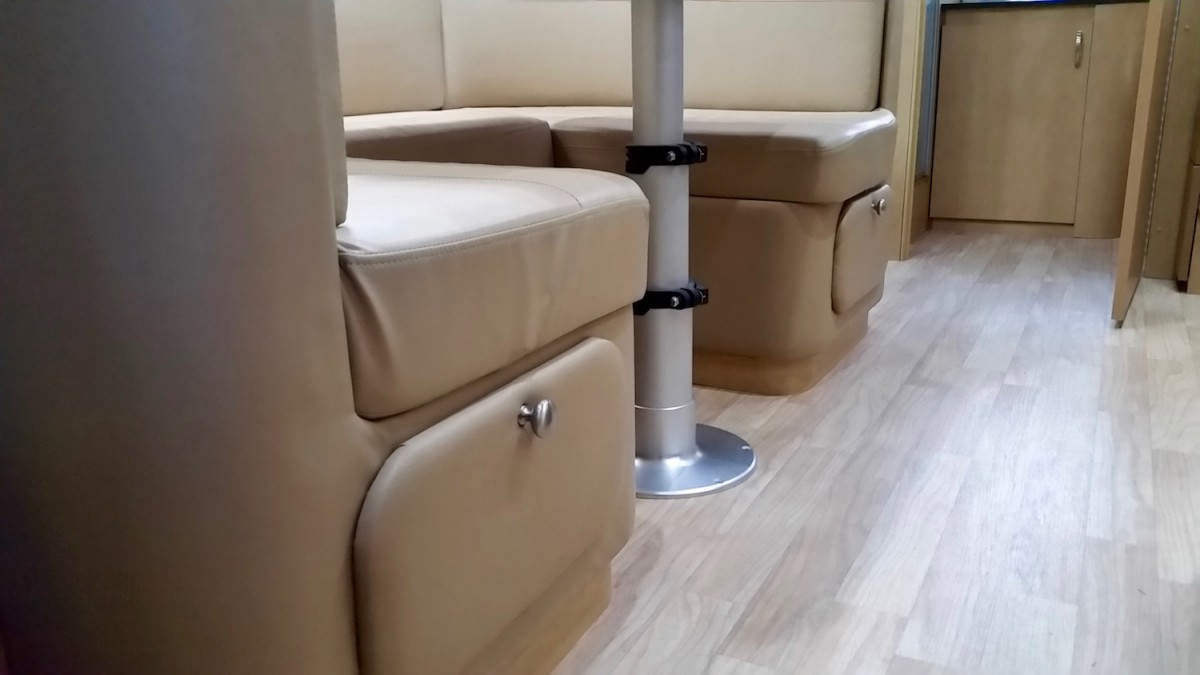 Airstream Ultraleather Dinette From 2015 23fb Flying Cloud