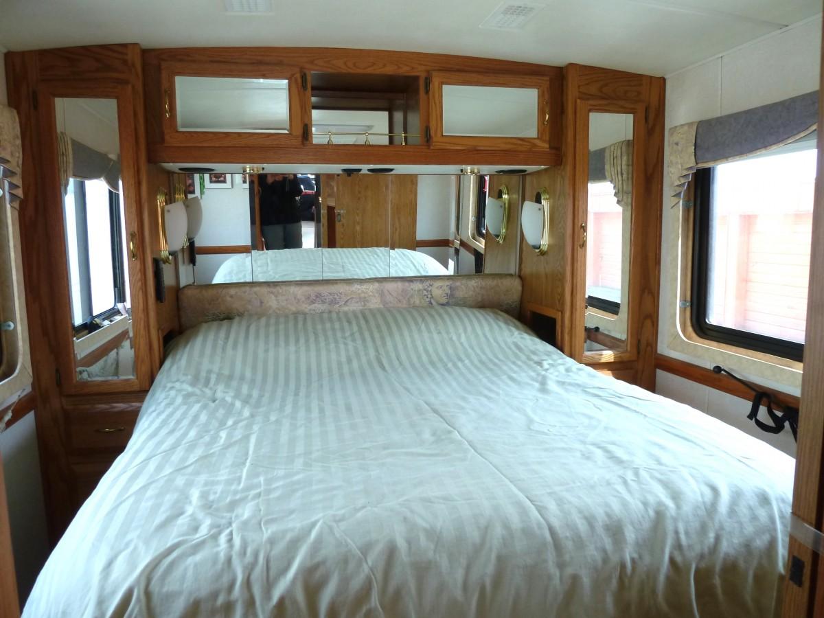 2000 Airstream Land Yacht XC Diesel 36 - Indiana