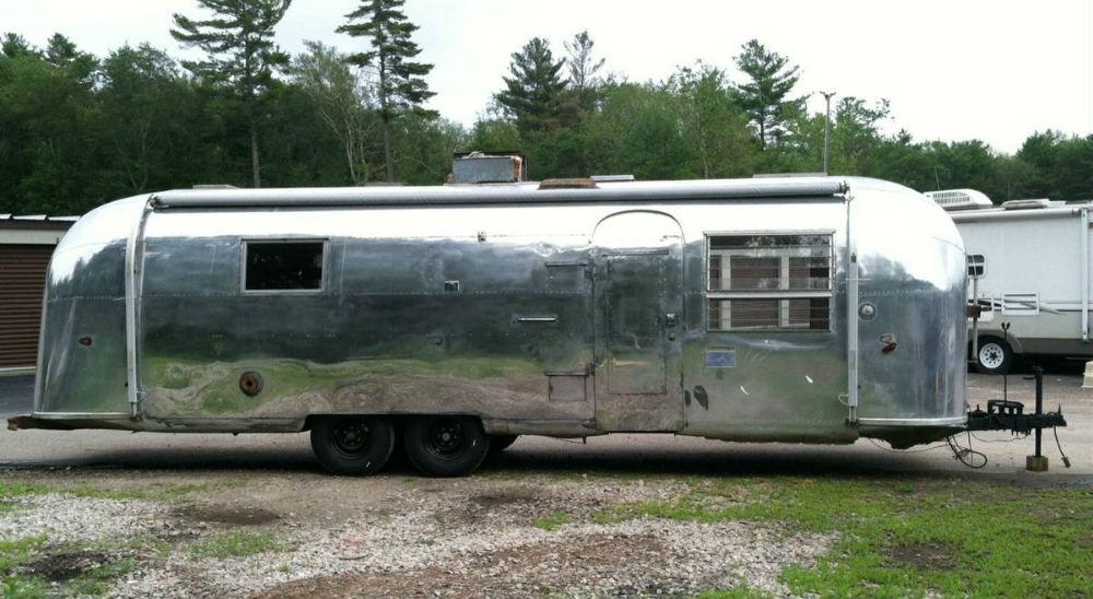 1963 Airstream Sovereign 30 Rhode Island