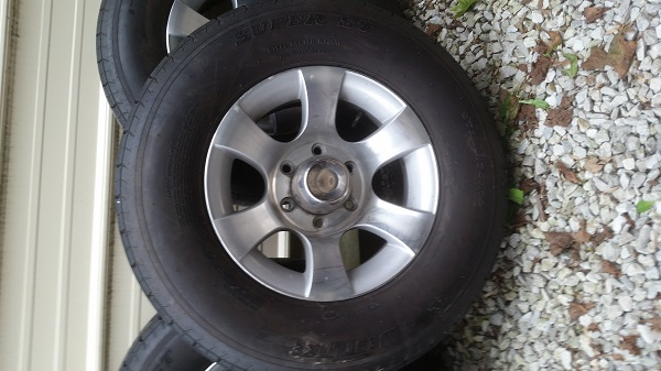 15 Quot Wheels And Tires Original On 2005 Safari