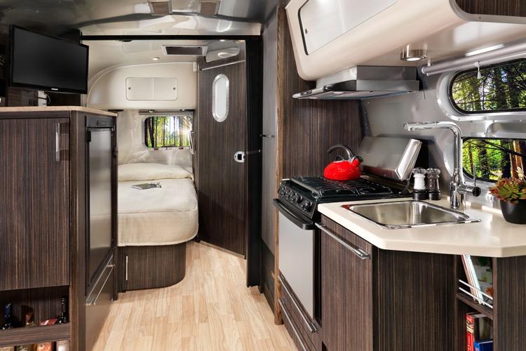 2016 Airstream International Signature 19 California