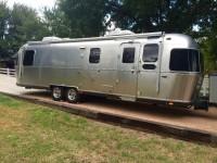 2016 Airstream Classic 30 - Texas