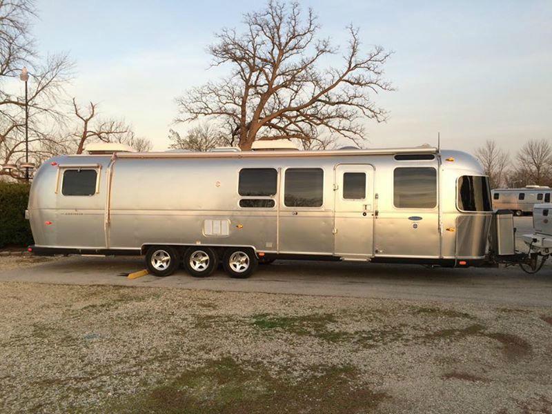 2011 Airstream Classic 34 Texas