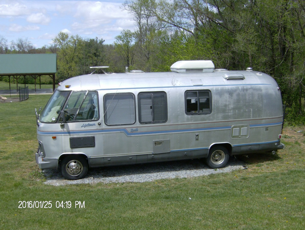 1969 Airstream Excella Class A Motorhome 24 Ft