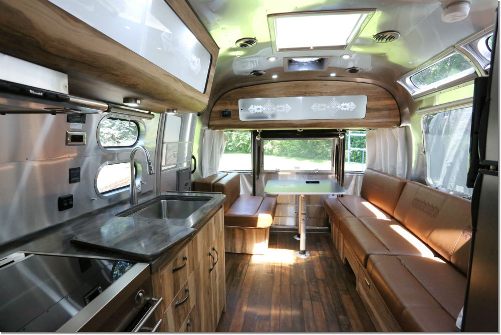 2016 Airstream Pendleton 28 Minnesota