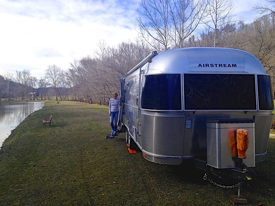Airstream Flying Cloud 25'