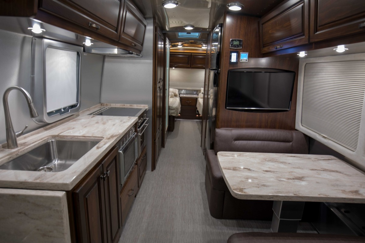 2017 Airstream Classic 30 Missouri