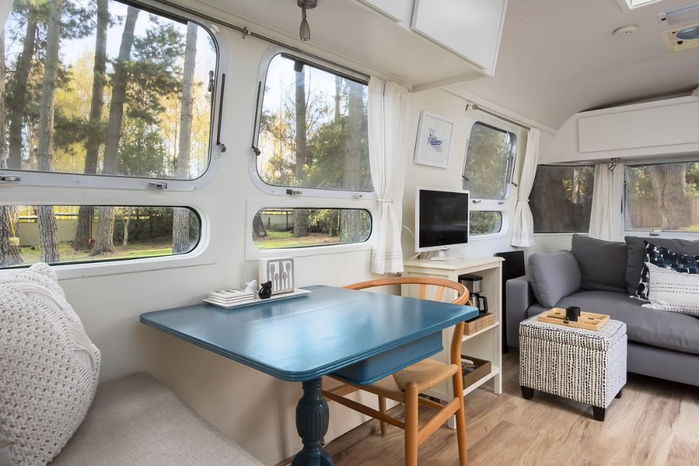 2000 Airstream Excella 31 California