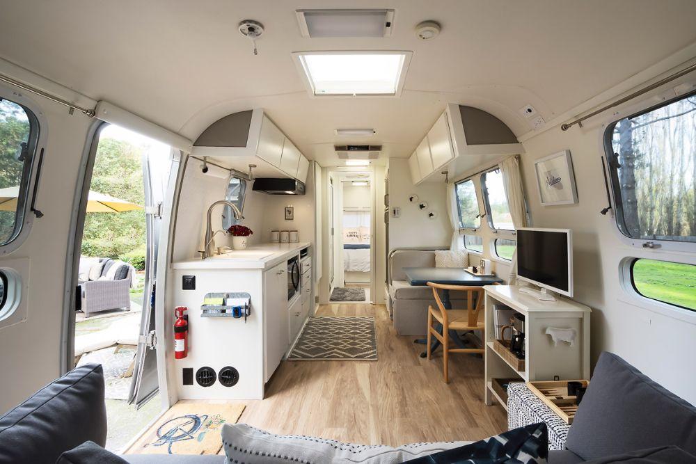 2000 Airstream Excella 31 California