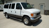 2006 Ford E350 Super Duty V10 Chateau Club Wagon