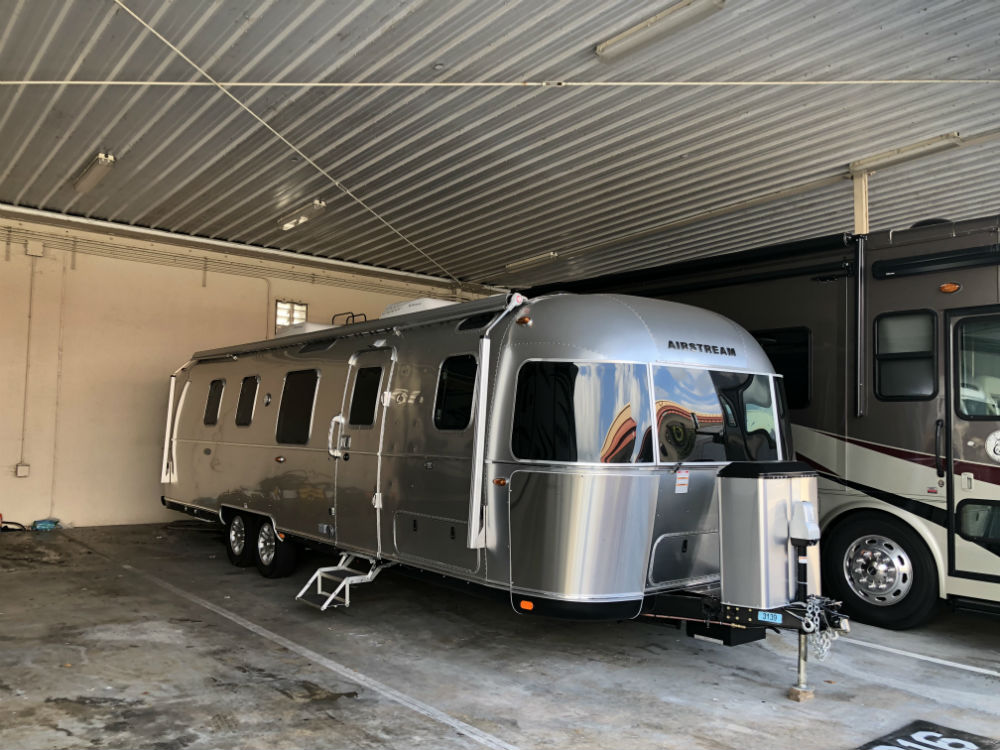 Airstream Classic 33 Twin Beds