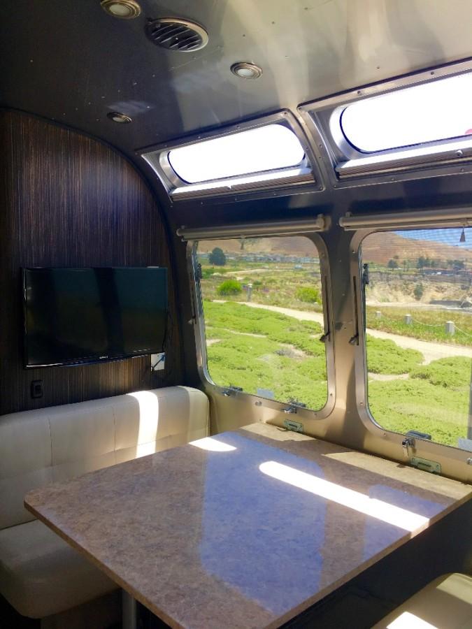 2016 Airstream International Signature 30 California
