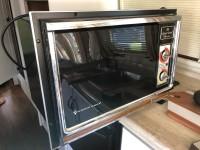 Magic Chef Microwave – 1985