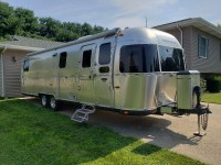2010 Airstream Classic 31 - Illinois
